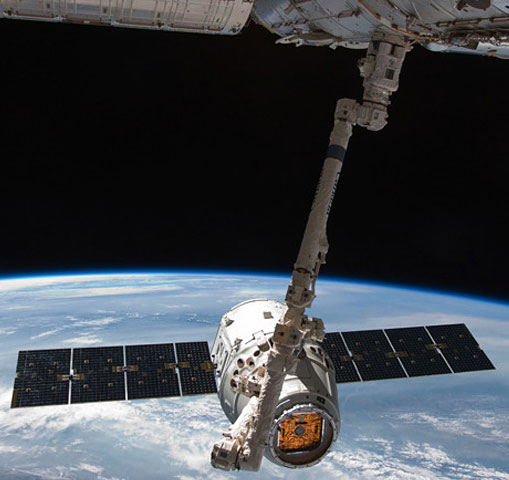 SpaceX Dragon Spacecraft Docks at International Space Station